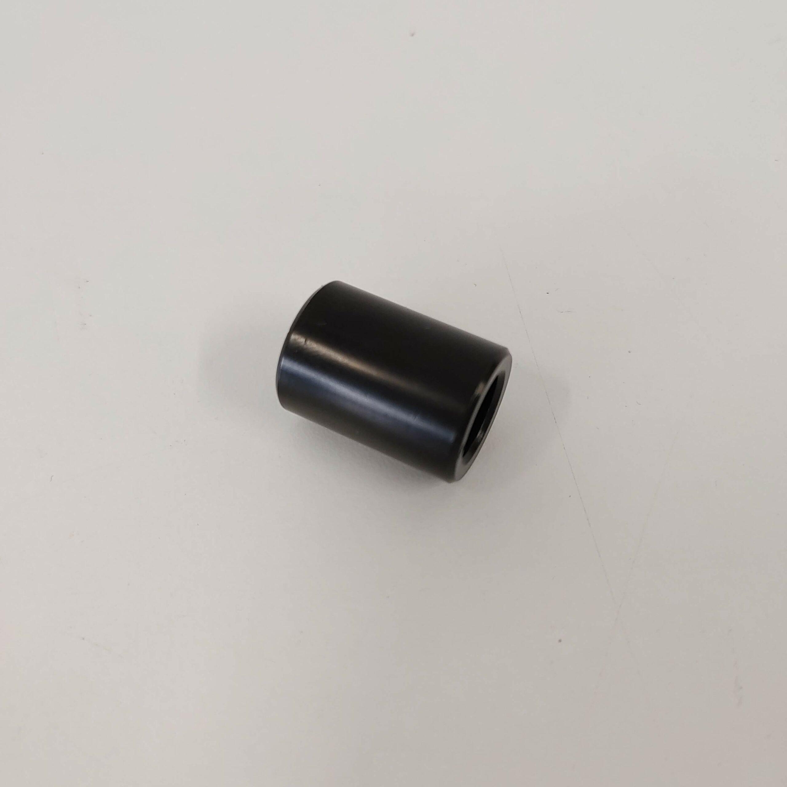 Hólkur fyrir felgubolta (fremri hægri) 10.5x16x22mm á Mantis 10 Lite